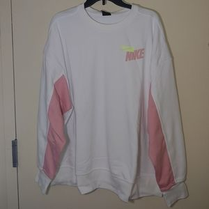 Nike Women's Graphic Sweatshirt Top Size 2X